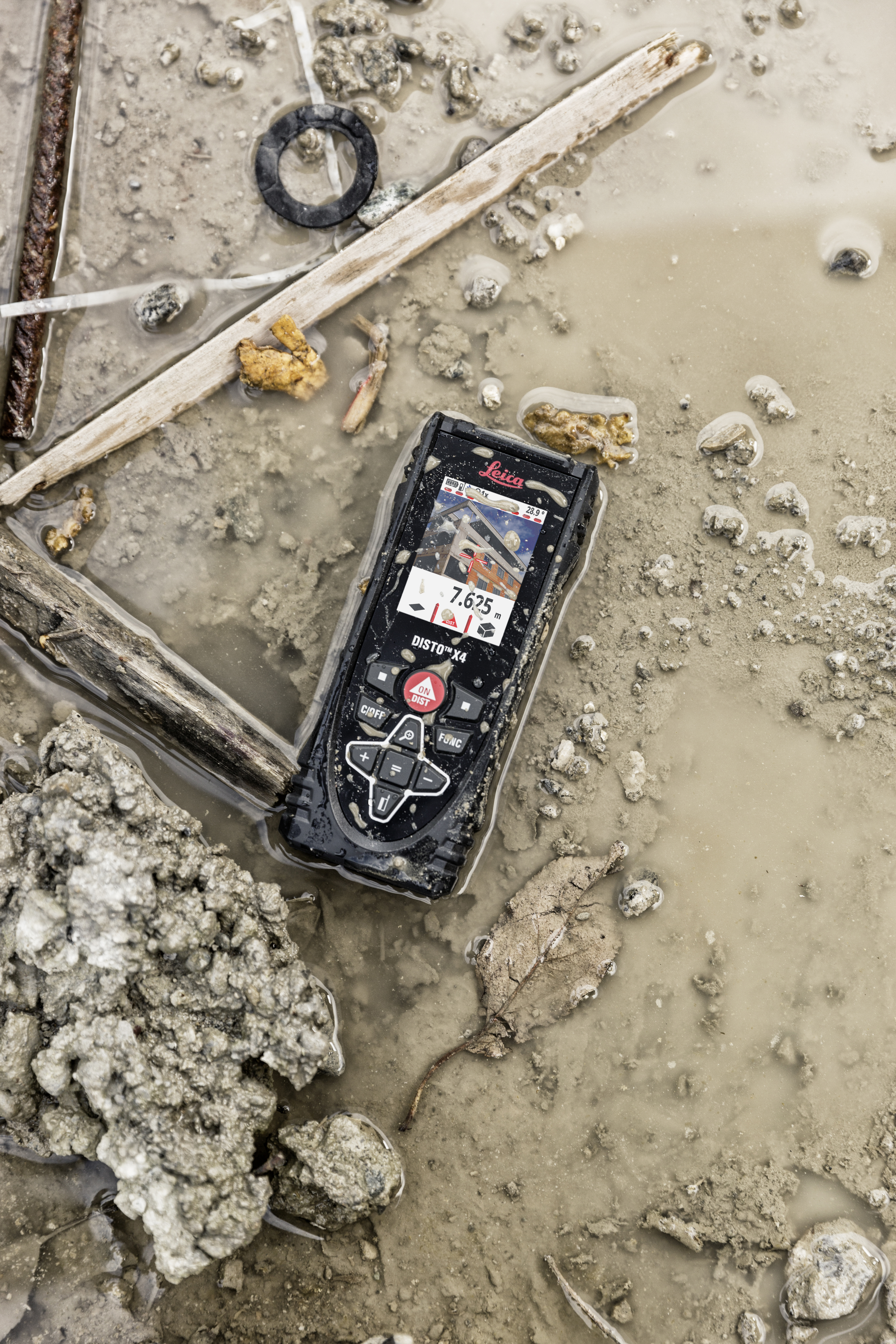 The Leica DISTO X4 with IP65 protection (dust and jet water protection)